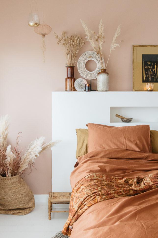 &SUUS | DIY Bedombouw hoofdbord | Roze in de slaapkamer